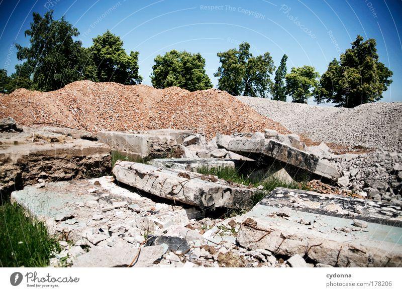 Kollateralschaden Natur Einsamkeit Tod Leben Umwelt Wand Landschaft Gefühle Traurigkeit Mauer träumen Deutschland Zeit Beton kaputt Perspektive