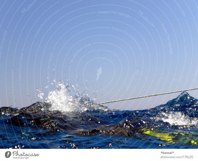 tau meets taucher Ferien & Urlaub & Reisen Ausflug Sommer Sonne Meer Wellen tauchen Seil Wasser Himmel Wolkenloser Himmel Horizont Sonnenlicht Schönes Wetter