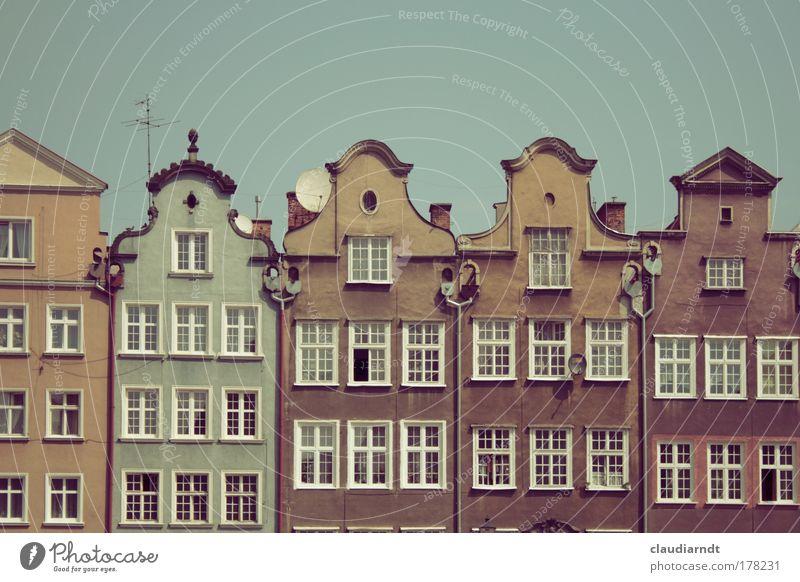 Danzig alt Stadt Ferien & Urlaub & Reisen Haus Fenster Architektur Fassade ästhetisch Denkmal historisch Sightseeing Sehenswürdigkeit Wohnhaus Polen Altstadt