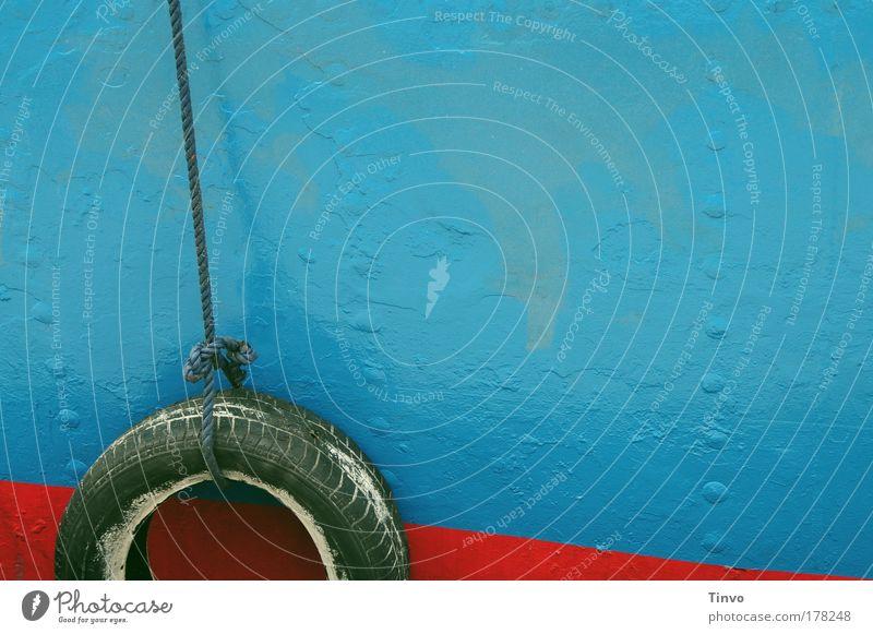 [KI09.01] nimm mich mit... blau Wasserfahrzeug Seil Hafen Sehnsucht Schifffahrt Fernweh Fähre Kreuzfahrt maritim Reifen Farben und Lacke ankern Dampfschiff Fender Autoreifen