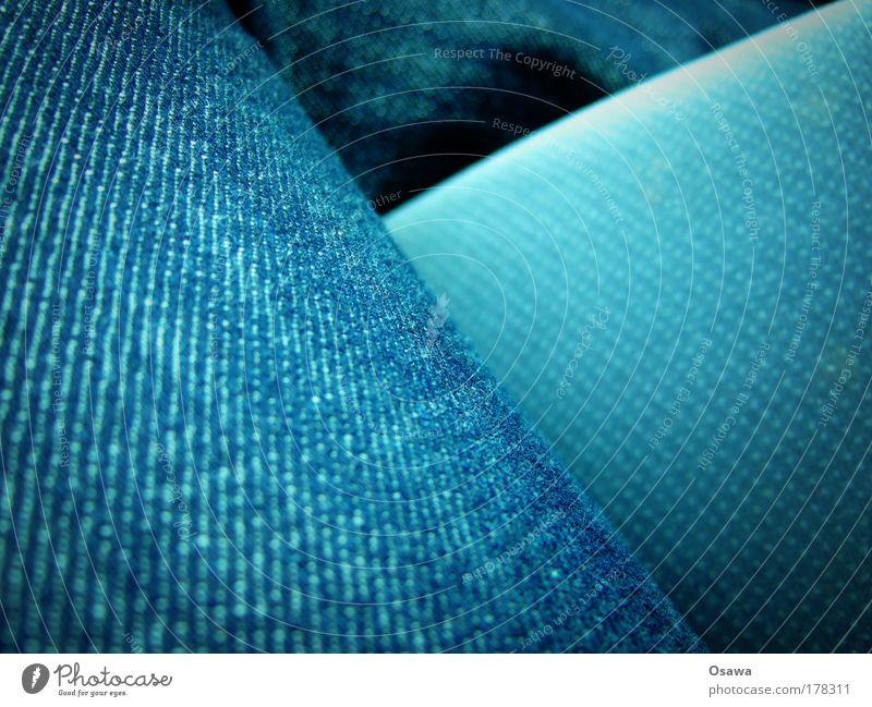 Jeans blau abstrakt Stoff Faser Textilien Bekleidung Jeanshose Jeansstoff Hose diagonal Strukturen & Formen Querformat Textfreiraum rechts Textfreiraum links