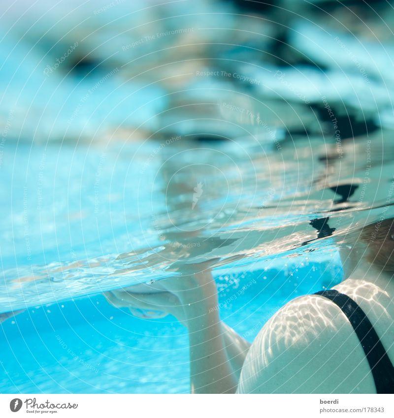 wAsserstuff Schwimmbad feminin Frau Erwachsene Schulter 1 Mensch Wasser Schwimmen & Baden blau Stimmung Reinheit Erholung Tourismus Ferien & Urlaub & Reisen