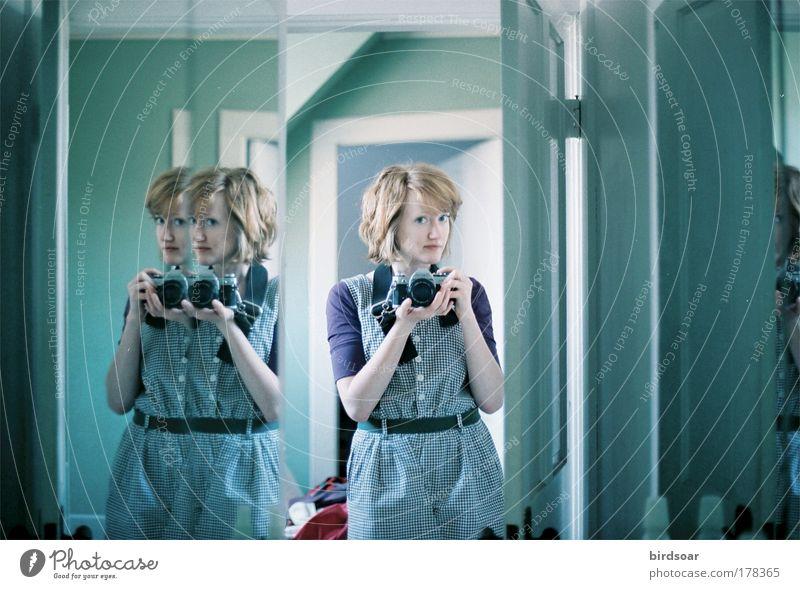 Zeit und Leben Selbstportrait Spiegel Bad 35mm Filmmaterial