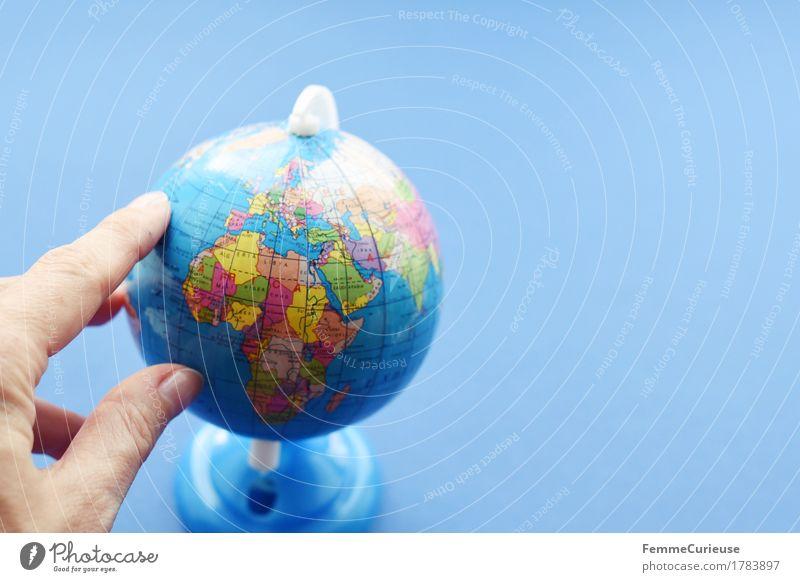 Globus_1783897 Ferien & Urlaub & Reisen blau Hand Erde Europa Klima Armut planen Spanien Kugel Afrika Flucht Mittelmeer Klimawandel Schulunterricht