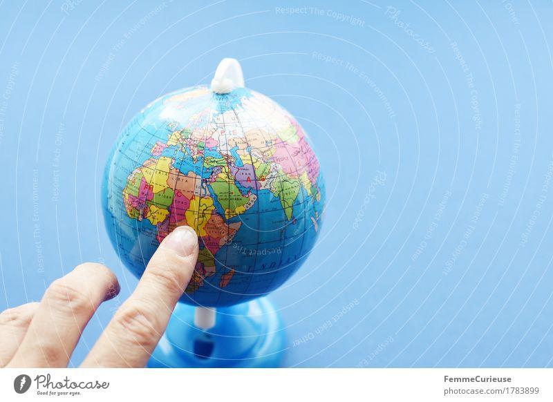 Globus_ 1783899 Erde Ferien & Urlaub & Reisen Zeigefinger Hand Geografie Schulunterricht Topografie Sudan Afrika Dritte Welt Entwicklungshilfe Flüchtlinge
