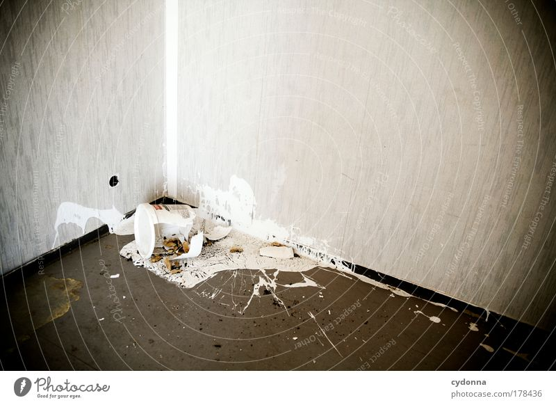 Freestyle Einsamkeit Farbe Leben Wand träumen Traurigkeit Mauer Raum Wohnung Ende Wandel & Veränderung Häusliches Leben Vergänglichkeit einzigartig Wut Tapete