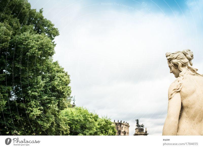 Ni andaddschorn Tourismus Sightseeing Städtereise feminin Frau Erwachsene Kunst Kunstwerk Skulptur Kultur Stadt Architektur Sehenswürdigkeit Wahrzeichen Denkmal