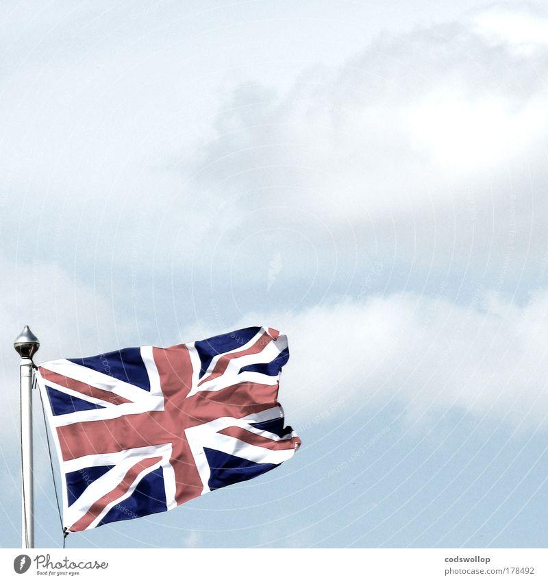 jack historisch blau rot weiß Fahne Fahnenmast Union Jack Großbritannien Himmel Wolken The British Commonwealth of Nations Britische Überseegebiete England