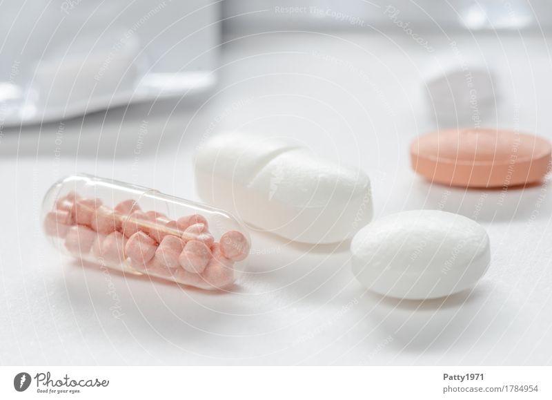 Tabletten Gesundheit Medikament Gesundheitswesen Pharmazie rund Sauberkeit rosa weiß Schmerz Drogensucht Farbfoto Nahaufnahme Detailaufnahme Makroaufnahme