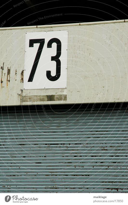73 Wand Mauer Schilder & Markierungen Industrie Ziffern & Zahlen Tor Lagerhalle Kunstwerk