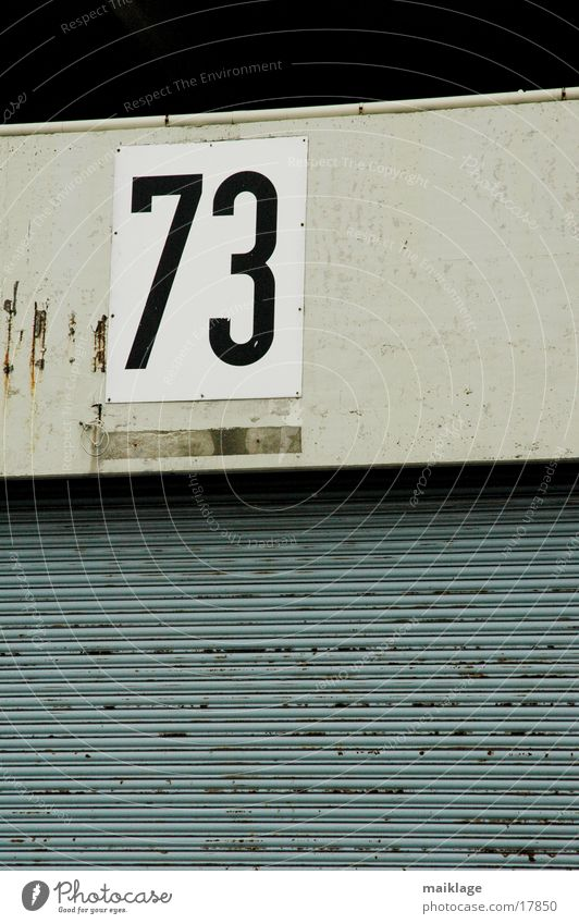 73 Ziffern & Zahlen Mauer Wand Industrie Tor Schilder & Markierungen werkshalle Kunstwerk Lagerhalle rolltor