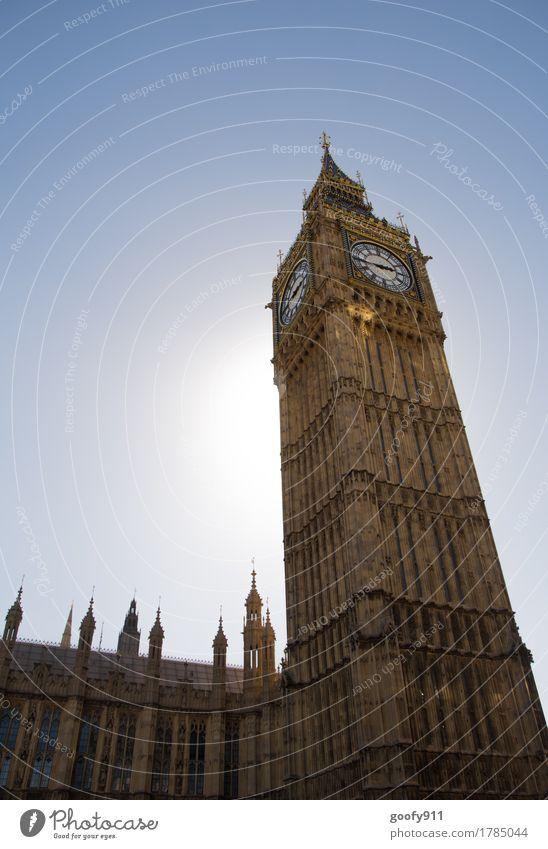 BIG BEN elegant Uhr Himmel Wolkenloser Himmel Sonne London England Europa Stadt Hauptstadt Stadtzentrum bevölkert Turm Bauwerk Gebäude Architektur Fassade