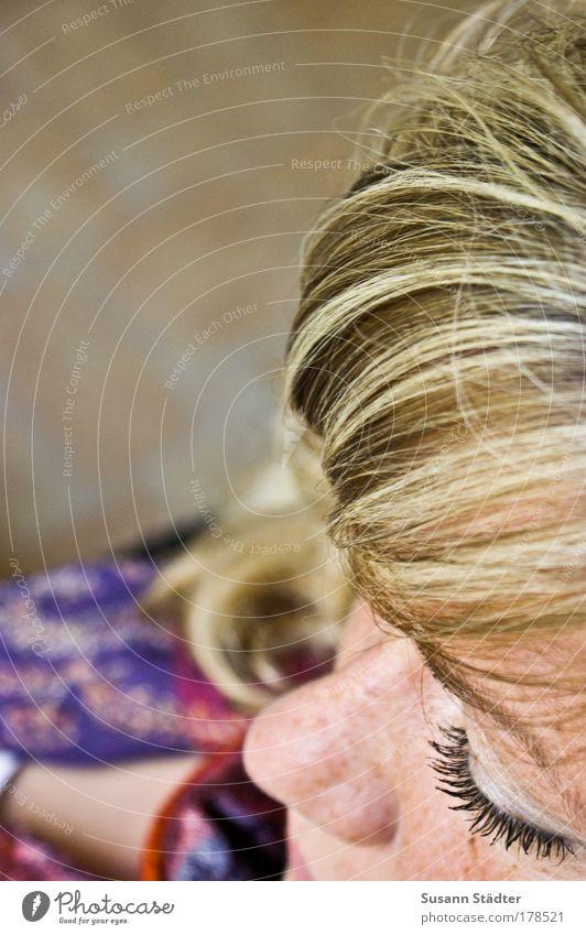 Dream a little Dream Frau Mensch Jugendliche Gesicht ruhig Auge Leben Erholung feminin Haare & Frisuren Kopf Mund blond Erwachsene Nase Lippen