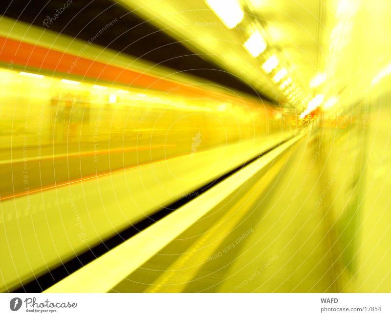 NightTrain U-Bahn Station Licht Geschwindigkeit Verkehr U2