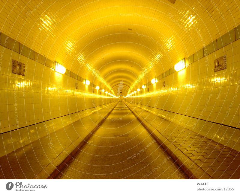 UnderWaterWalk Hamburg Tunnel historisch Anlegestelle Elbe Sankt Pauli-Elbtunnel