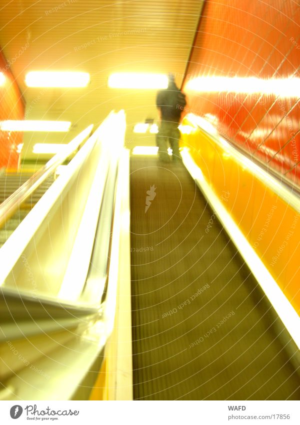 Rolltreppe ins Nichts Verkehr U-Bahn Stadtteil Reeperbahn St. Pauli