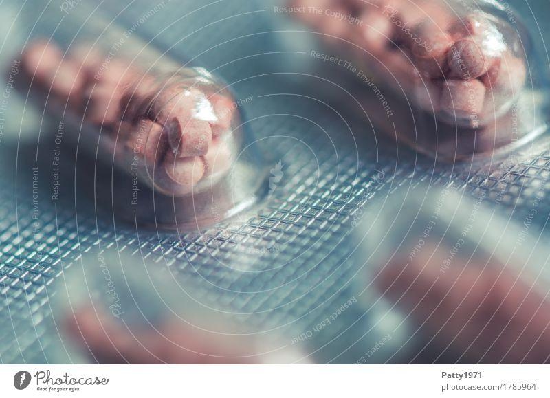 Kapsel in Blisterpackung kalt Gesundheit Gesundheitswesen rosa rund Medikament Schmerz Verpackung silber Tablette Pharmazie Drogensucht