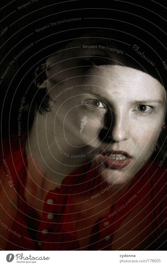 Schizophren Mensch Frau Jugendliche Gesicht Erwachsene dunkel Leben Bewegung träumen Zeit Angst Wandel & Veränderung 18-30 Jahre bedrohlich geheimnisvoll fangen