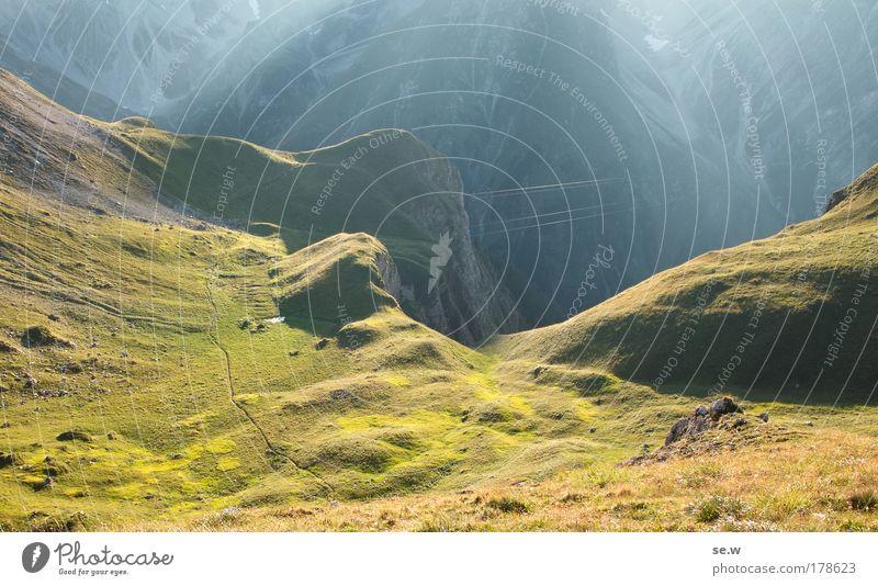Abenddunst Natur grün Sommer Ferien & Urlaub & Reisen ruhig Einsamkeit Farbe Berge u. Gebirge Traurigkeit Stimmung gold Alpen Unendlichkeit Sehnsucht