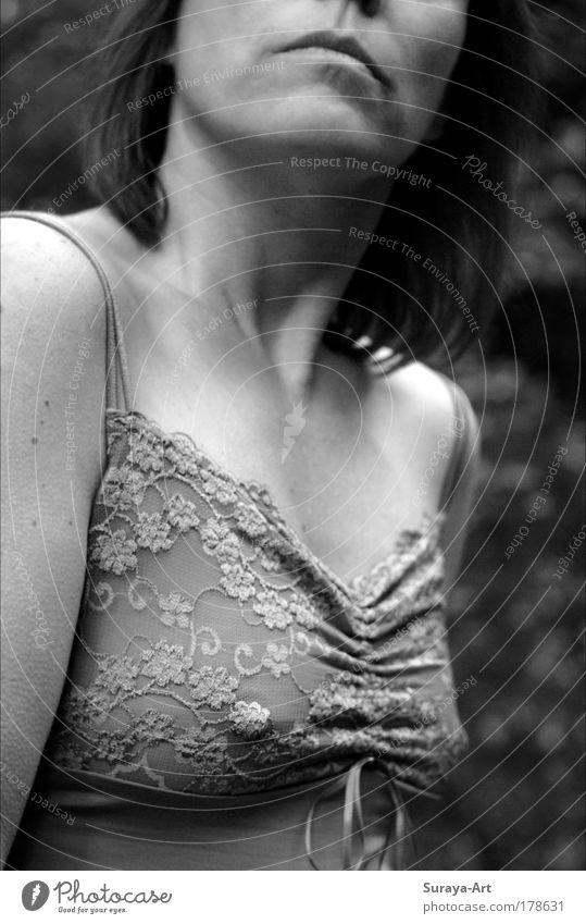 her new lace lingerie Stil schön feminin Frau Erwachsene Haare & Frisuren Mund Lippen Brust Mode Bekleidung Unterwäsche Stoff Schleife beobachten Blick