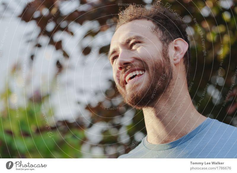 Mensch Jugendliche Mann Sommer Sonne Junger Mann 18-30 Jahre Gesicht Erwachsene Leben sprechen Herbst Glück Garten Party Kopf