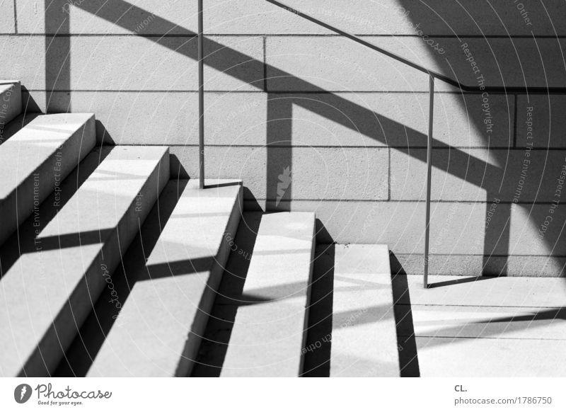 bitte gehen sie weiter Schönes Wetter Mauer Wand Treppe Treppengeländer eckig Wege & Pfade Schwarzweißfoto Außenaufnahme abstrakt Menschenleer Tag Licht