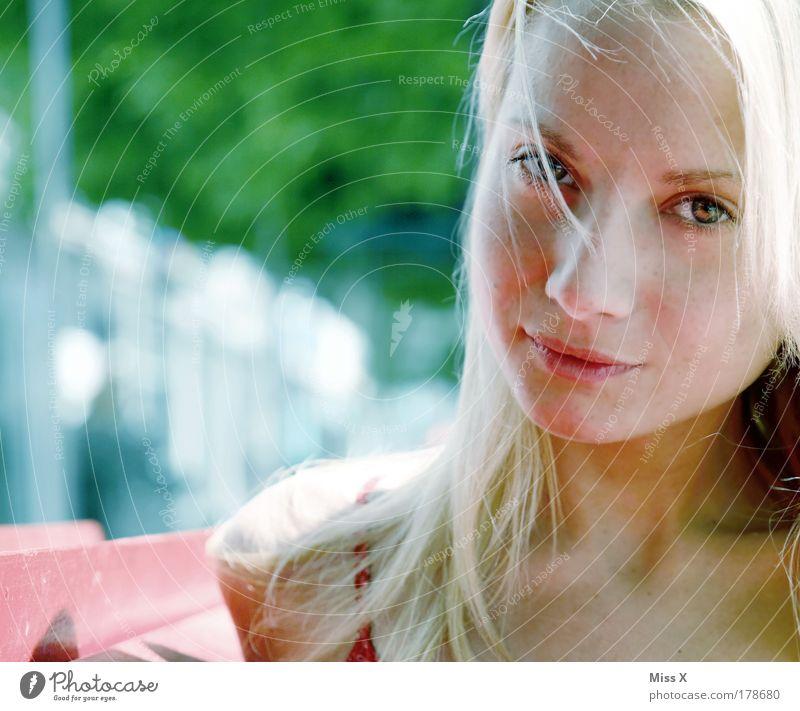 ohne Titel Mensch Jugendliche schön Gesicht Auge feminin Porträt Garten Haare & Frisuren Park Frau Schönes Wetter Junge Frau