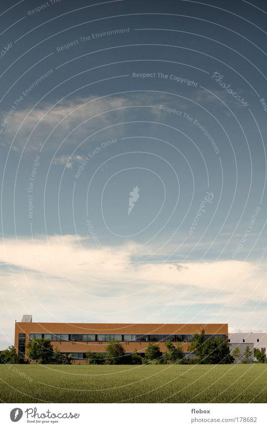 Green IT Himmel Natur Pflanze Wolken Landschaft Gebäude Feld Klima Energiewirtschaft Zukunft Industrie Technik & Technologie Fabrik Landwirtschaft Wissenschaften Sonnenenergie
