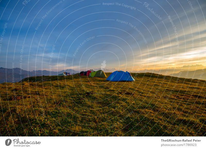 Traumhotel Umwelt Natur Landschaft blau braun gelb gold weiß Zelt Zeltlager Camping Außenaufnahme Romantik Bergen Stimmung Freiheit Wolken Schweiz