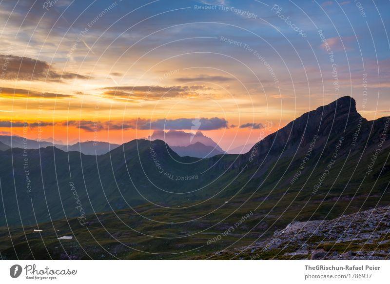 Glarner Alpen Umwelt Natur Landschaft Schönes Wetter blau grün violett orange rosa schwarz Schweiz Außenaufnahme Wolken Sonnenuntergang Stimmung Romantik