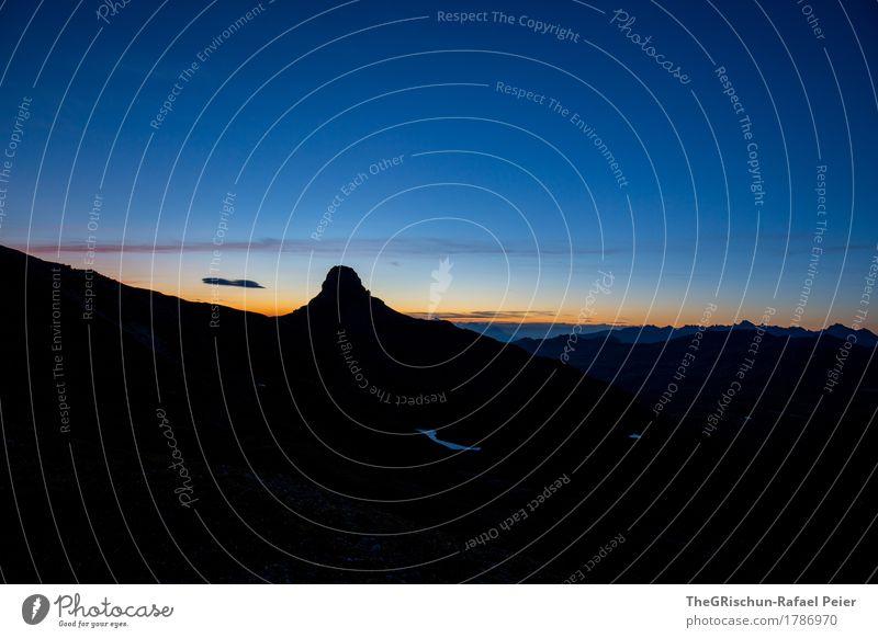 Morgenstund hat Gold im Mund Umwelt Natur Pflanze blau orange schwarz aufwachen aufstehen Wolken Silhouette Berge u. Gebirge Licht Sonnenaufgang spitzmeilen