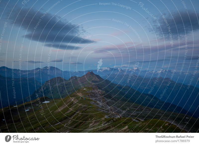 Morgenstund Umwelt Natur Landschaft blau braun grau grün rosa schwarz Berge u. Gebirge Gras Sonnenaufgang Wolken Schneebedeckte Gipfel Felsen aufwachen Aussicht