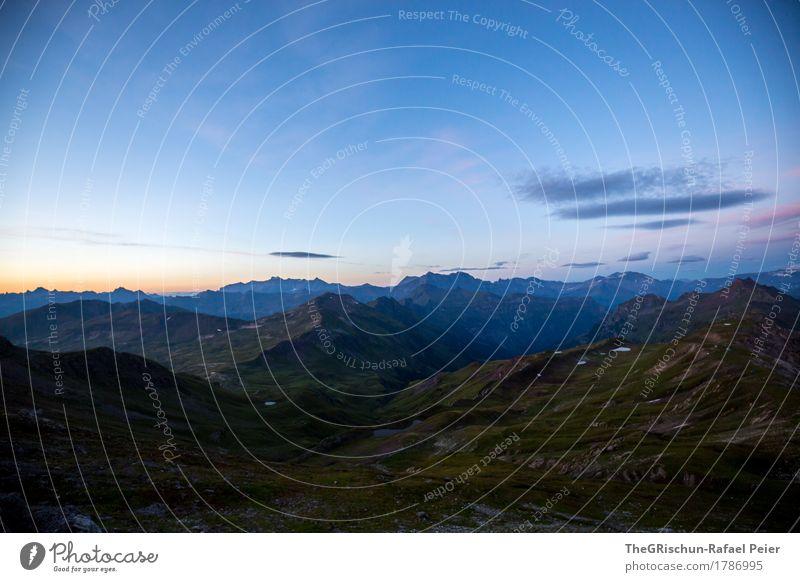 Morgenstimmung Umwelt Natur Landschaft blau grün orange rosa schwarz Schweiz Berge u. Gebirge Alpen Glarner Alpen Wolken Sonnenaufgang Morgendämmerung Gras
