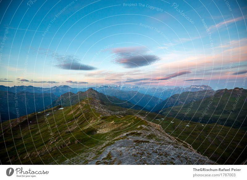 Wolken Umwelt Natur Landschaft blau grau grün violett schwarz Bergkamm Stein Felsen Bergkette Himmel Schweiz Langzeitbelichtung Alpen Gras Farbfoto