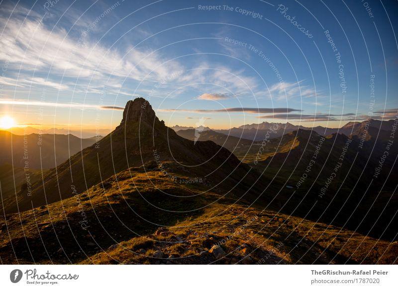 Spitzmeilen Umwelt Natur Landschaft blau braun gelb gold grün Silhouette Berge u. Gebirge Gipfel Format ästhetisch Sonnenaufgang Himmel Außenaufnahme
