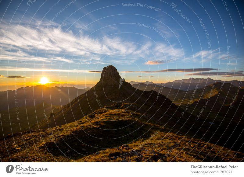 Spitzmeilen Umwelt Natur Landschaft blau braun gelb gold orange weiß Silhouette Berge u. Gebirge Gipfel Wolken Sonne Sonnenaufgang Sonnenstrahlen Schatten Licht