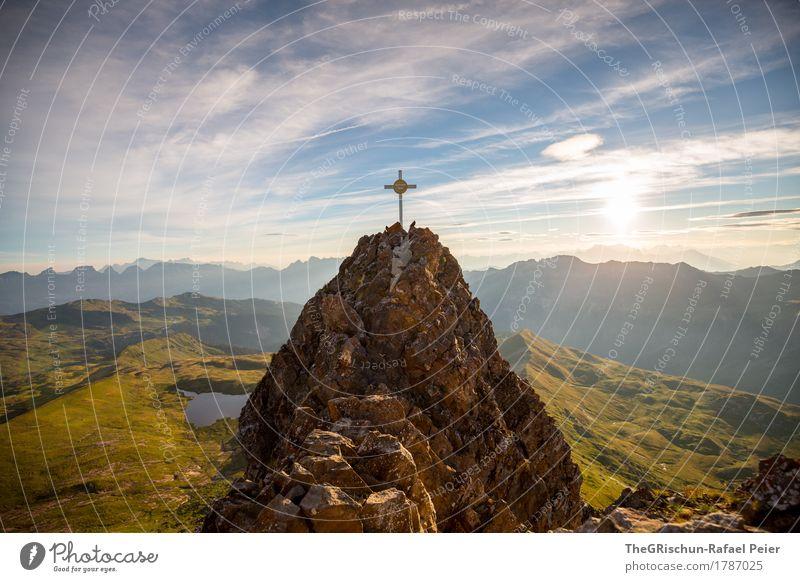 Gipfelkreuz Umwelt Natur Landschaft blau braun gelb gold grün weiß Morgen Bergkette Berge u. Gebirge Sonnenaufgang Gebirgssee Wiese Gegenlicht Spitzmeilen hoch
