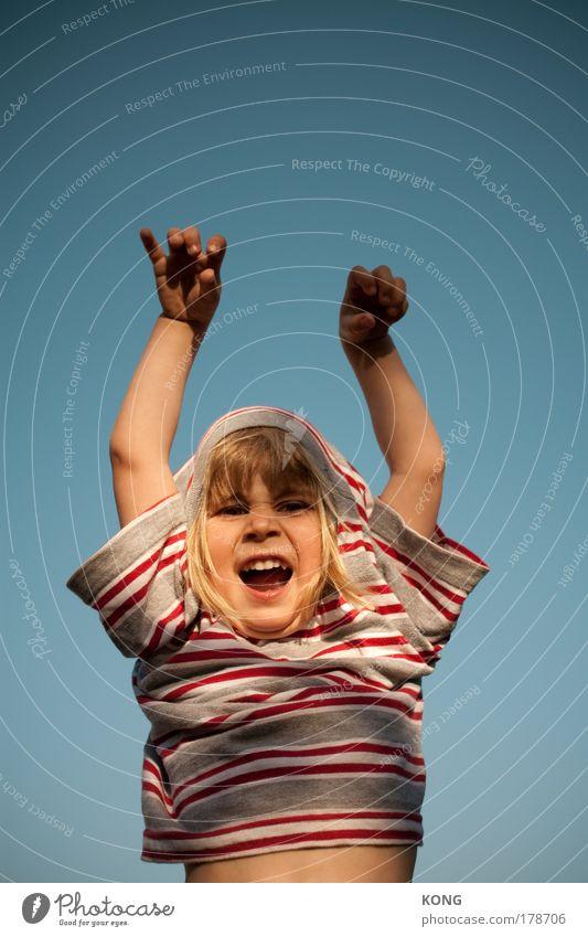 beasty boy Kind Hand Freude Gesicht Spielen Junge lachen Kindheit Tierjunges Angst Arme bedrohlich Kleinkind Wut schreien böse