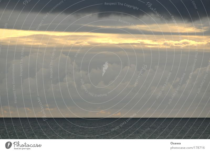 Wetter Wasser Himmel Meer blau schwarz Wolken dunkel grau See Himmel (Jenseits) Regen Landschaft Wetter Urelemente Ostsee Nordsee