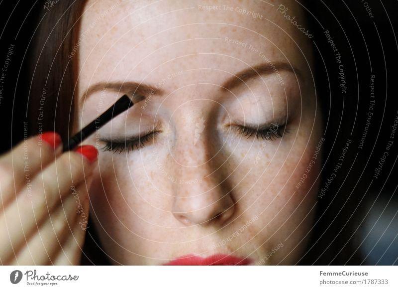MakeUp_1787333 Mensch Frau Jugendliche schön Junge Frau Hand 18-30 Jahre Erwachsene feminin Stil braun elegant malen zeichnen Körperpflege Kosmetik