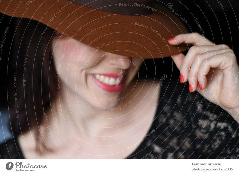 Eleganz_1787335 Lifestyle elegant schön Junge Frau Jugendliche Erwachsene Mensch 13-18 Jahre 18-30 Jahre feminin Mode Hut Hipster trendy Spitze Spitzenkleid