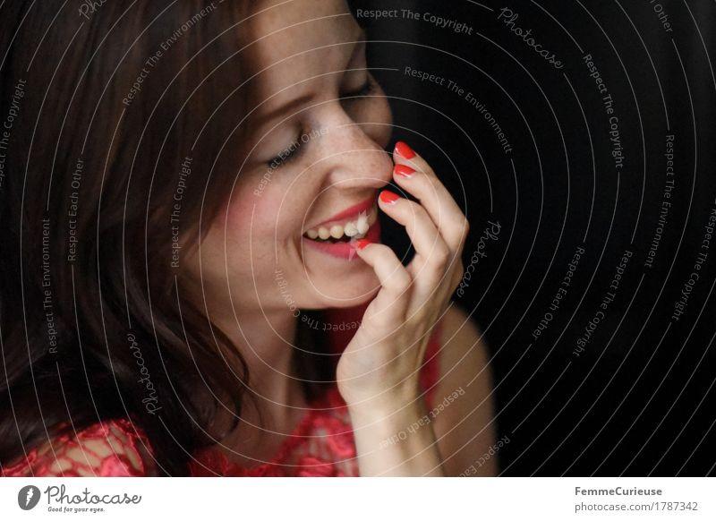 Glück_1787342 elegant Stil Freude schön feminin Junge Frau Jugendliche Erwachsene Mensch 18-30 Jahre Fröhlichkeit Zufriedenheit Lebensfreude Frühlingsgefühle
