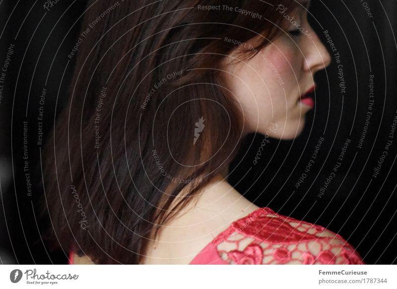 Haar_1787344 Mensch Frau Jugendliche schön Junge Frau ruhig 18-30 Jahre Gesicht Erwachsene feminin Mode Haare & Frisuren rosa nachdenklich elegant ästhetisch