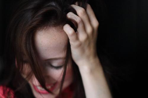 1787349 Mensch Frau Jugendliche schön Junge Frau Hand 18-30 Jahre Erwachsene Leben natürlich feminin Stil lachen Glück Feste & Feiern Haare & Frisuren