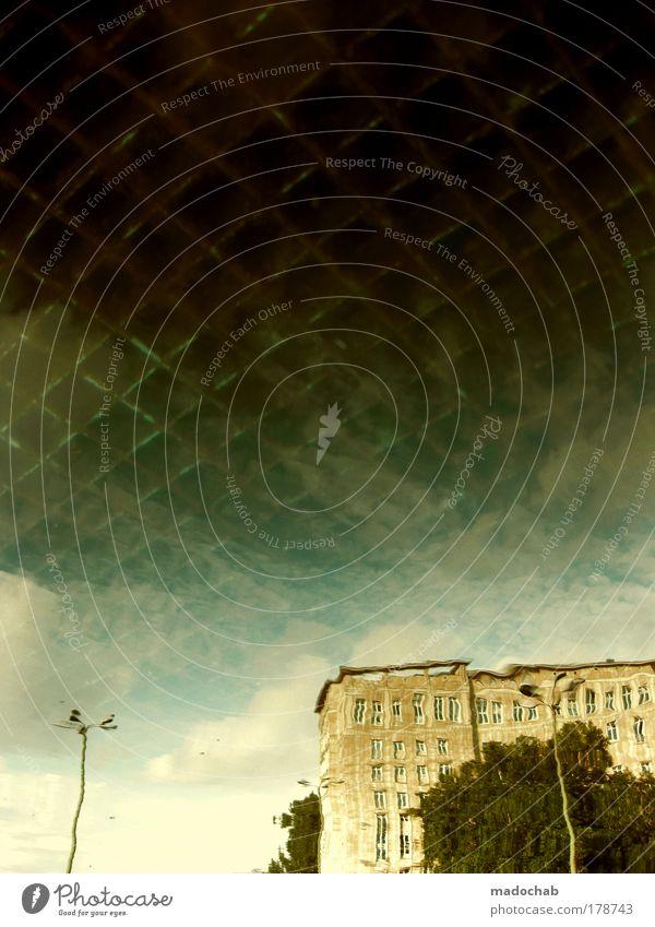 xxx Stadt Herbst Architektur Wege & Pfade Traurigkeit ästhetisch Klima Reflexion & Spiegelung Wandel & Veränderung Vergänglichkeit Sehnsucht Schutz Schmerz Vergangenheit Verfall
