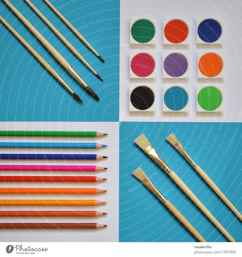 farbenfroh - Flat lay mit Wasserfarben, Buntstiften und Pinseln auf weißem und türkisblauem Untergrund Freude Leben Freizeit & Hobby Gemälde Bildung