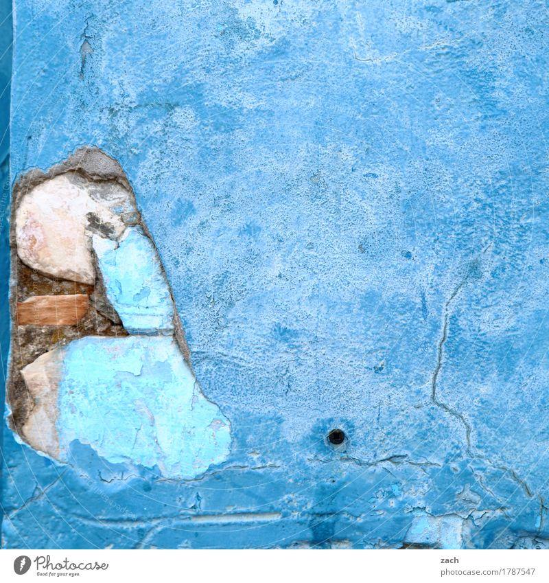 Klangfarbe | Blues alt blau Haus Wand Mauer Fassade Häusliches Leben Vergänglichkeit kaputt historisch Vergangenheit Verfall Ruine Zerstörung bauen Renovieren