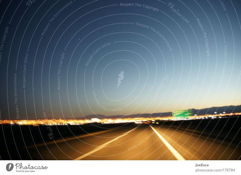 lightspeed chase to vegas Farbfoto Textfreiraum oben Dämmerung Nacht Unschärfe Lifestyle Stil Ferien & Urlaub & Reisen Tourismus Ferne Freiheit Sightseeing