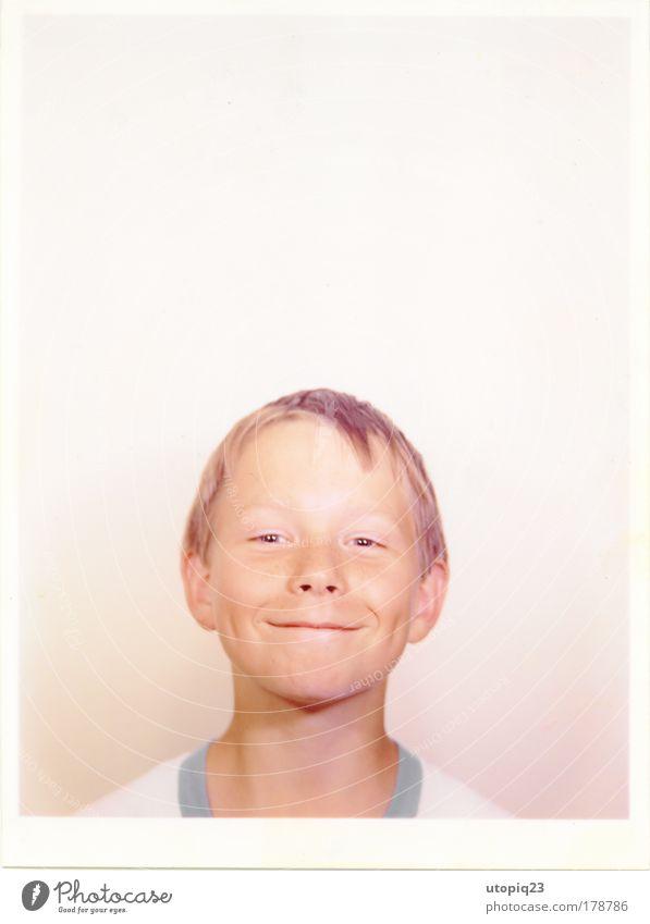 und wenn ich groß bin... Mensch Kind Freude Gesicht Junge Kopf klein lustig Kindheit blond sitzen maskulin Fröhlichkeit stehen Coolness niedlich