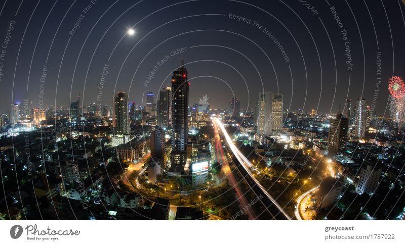 Stadtpanorama von Bangkok nachts, Thailand Straße Architektur Bewegung Gebäude Verkehr PKW modern Hochhaus Aussicht erleuchten Asien Autobahn Mond horizontal